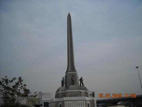 victory-monument1